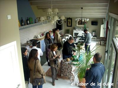 grupo en cocina